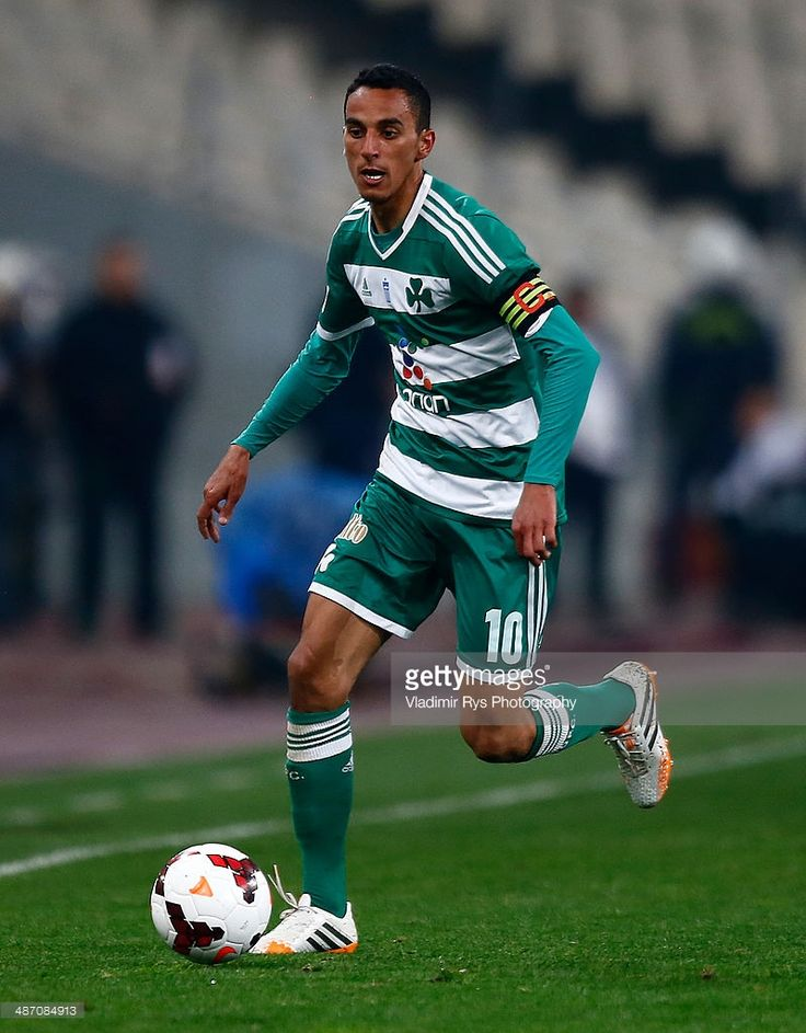Zeca Goncalves of Panathinaikos controls the ball during the Greek Cup Final match between P.A.O.K. and Panathinaikos FC at the O.A.K.A. Stadium on April 26, 2014 in Athens, Greece.