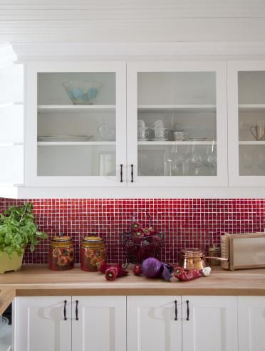 Red Kitchen Backsplash | Red Tile Backsplash Adds Zing To This Happy  Country Kitchen.