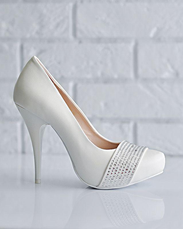 Свадебные туфли: KF843-TB54 - http://vbelom.ru/catalog/svadebnye-tufli-kf843-tb54/ Стильные свадебные туфли на высоком каблуке.  Элегантные свадебные туфли. Скрытая платформа компенсирует экстремальную высоту шпильки. Мыс декорирован поясом со стразами.