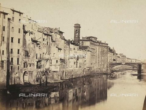Vecchie case lungo l'arno Firenze Florence