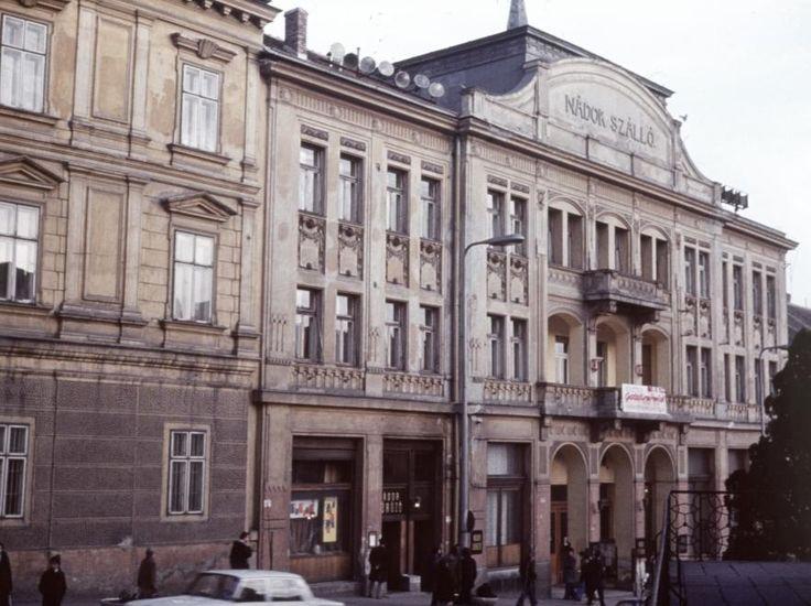 Széchenyi tér, Nádor Szálló.