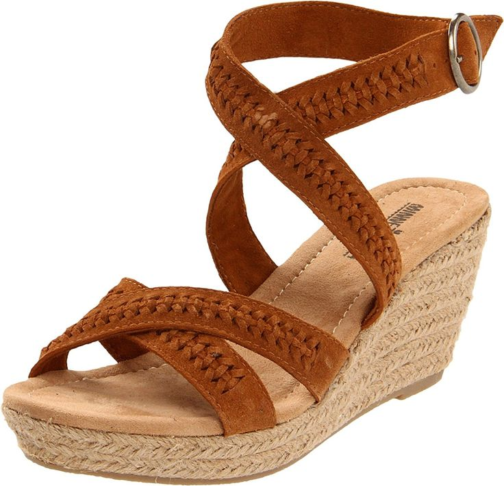Minnetonka Women's Haley Wedge Sandal *** Don't get left behind, see