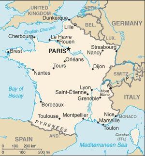 Very simple yet effective map of France showing its position in relation to its neighbours in Western Europe #Map #France