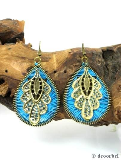 Blauwe draad oorbellen met blad versiering (hanger) voor maar €3.95 per paar bij www.deoorbel.nl