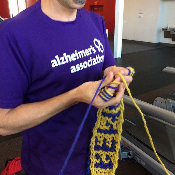 Finger Knitting While Running a Marathon - oct22_closeup