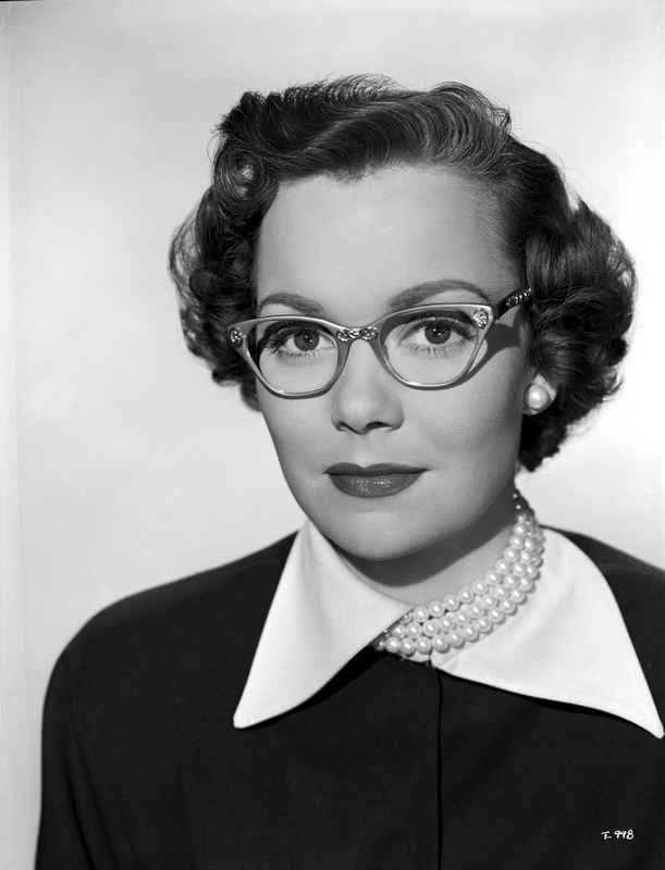Jane Wyman Portrait in White Collar Black Long Sleeve Shirt and Pearl – Movie Star News
