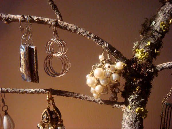 jewellery modelled on twigs/branch