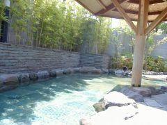 武蔵村山のかたくりの湯に行ってみました のどかないい所で露天風呂に癒やされました()v こちらは天然温泉の日帰り施設ですが本物の温泉を楽しめます ちなみに温泉は和風と洋風とありまして日替わりで男女入れ替え制なので行くたびに違うお風呂に入れるのはいいですね ちなみにこの日は和風風呂だったので次回は洋風温泉が入れる時に行きたいです また温水プールゾーンもありますのでデートやご家族でもお楽しみいただけますよ 寒くなってきたので温泉は良いですね() ぜひ足を運んでみてください tags[東京都]