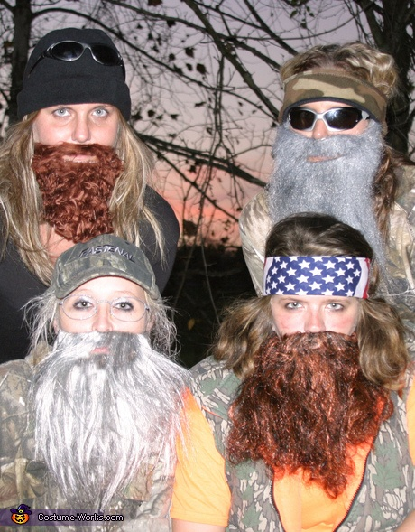 The REAL Duck Dynasty - creative Halloween costume idea for @Jordi Simkins-Armga That's ME in the upper LEFT corner!!