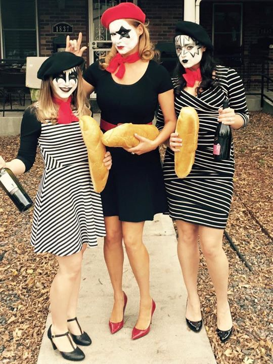 15 extremely clever halloween costumes you wish you came up with