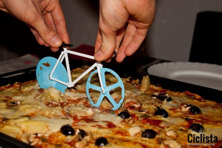 Getestet: Der Fixie Pizza Cutter von Doiy: http://ciclista.net/2015/03/geschenkidee-fuer-rennradfahrer-doiy-fixie-pizza-cutter/ #Cycling #Radfahren #Geschenkidee #Inspiration #Rennrad #Fixie #Blog #Pizza
