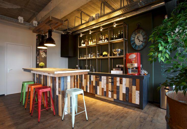 restaurantes y bares de estilo vintage e industrial como este En