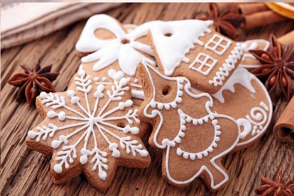 """Ormai siamo alle porte del Natale, da sempre non è solo la festa della nascita di Gesù Bambino, maè anche la festa della gioia, della pace e della solidarietà, allora è l'occasione giusta per essere vissuta nel pieno rispetto di tutti gli esseri viventi. Non è certamente facile durante le grandi riunioni di famiglia accontentare i gusti di tutti, sopratutto se a tavola si siedono i temutissimi """"vegani"""" (il terzo millennio è entrato da molti anni ma ancora ci considerano alieni venuti dal…"""