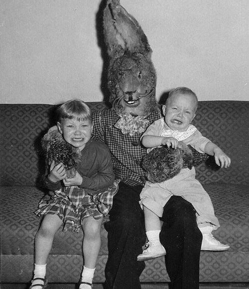 BUNNY RABBIT Oh, my Scary Easter Bunny!!! I love this photo!!!!!!