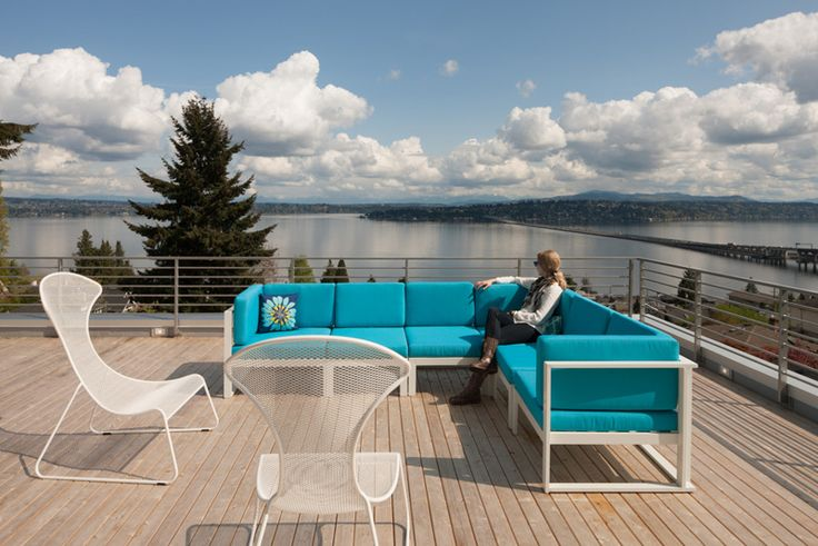 JW Architects design a home in Seattle with sweeping views of Lake Washington