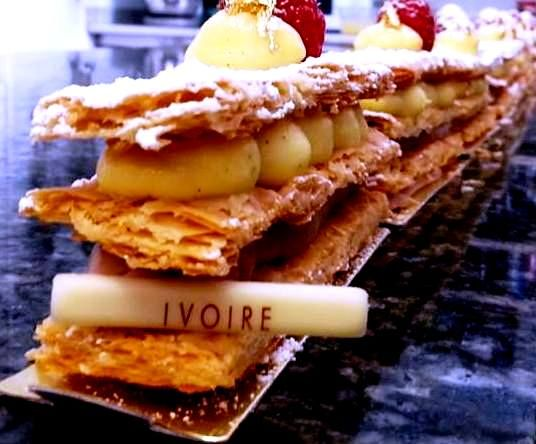 #Millefeuille by Dionisis Alertas  Cremeux ananas vanille cremeux caramelia tonka