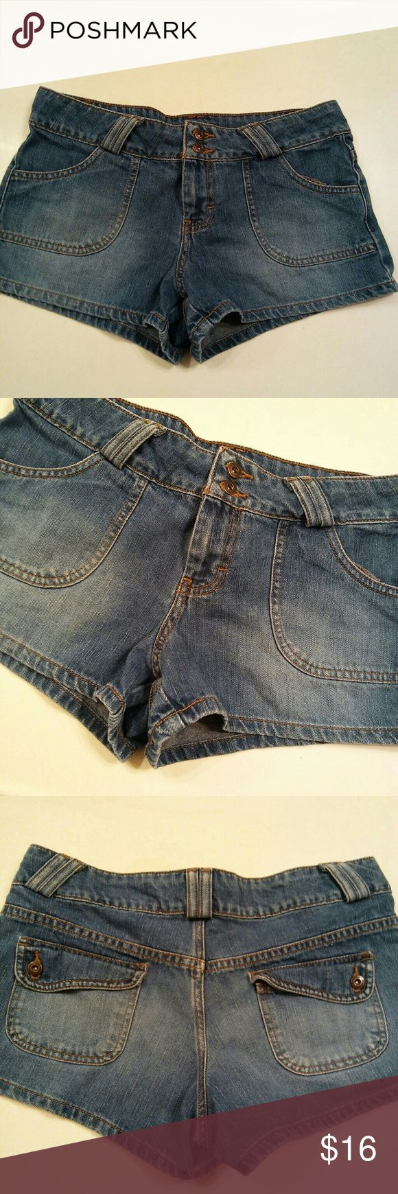 American Eagle Outfitters Jean Shorts Size 4 American Eagle Outfitters Jean shorts. Barely used and in excellent condition. American Eagle Outfitters Shorts Jean Shorts