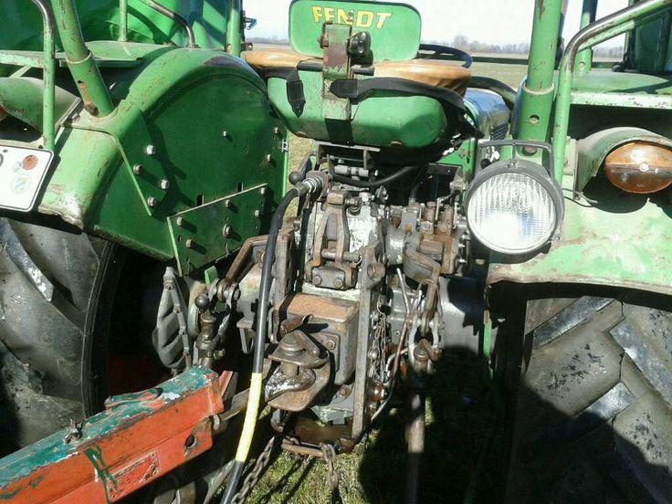 Traktor mit Verdeckt plus div. Zubehör ( Seitenmähwerk, hydraulische Frontlader mit Schaufel und...,Bulldog Traktor  Fendt Farmer 2D in Bayern - Deiningen