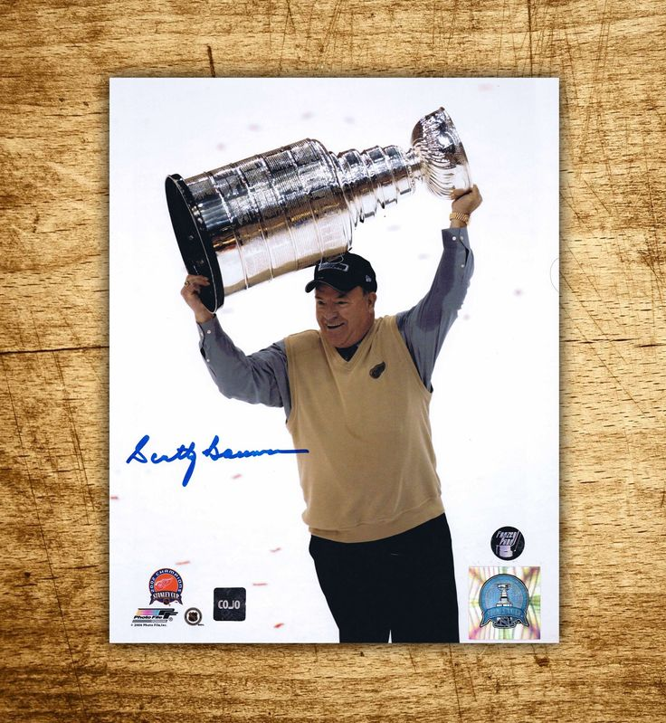 Scotty Bowman Detroit Red Wings Stanley Cup Autographed 8x10 Photo #bowman #detroit #redwings #stanleycup #puck #photo #jersey #autograph #sportsmemorabilia #hockey #rink #collectible #legend #halloffame