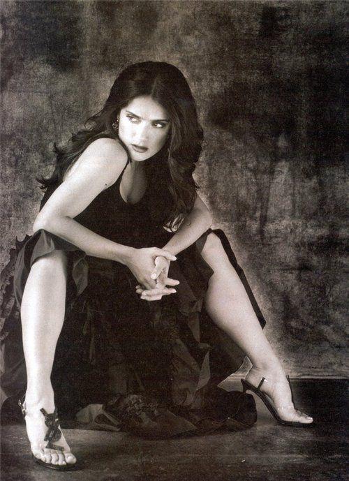 Salma Hayek… | Sexy legs | Salma hayek, Salma hayek feet ...