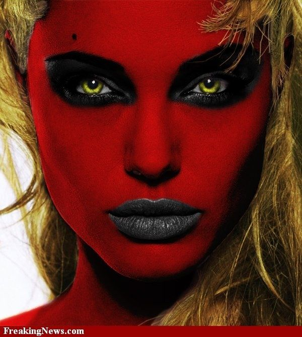 Halloween halloween amazing makeup looks like the devil for Cara pintada diablo