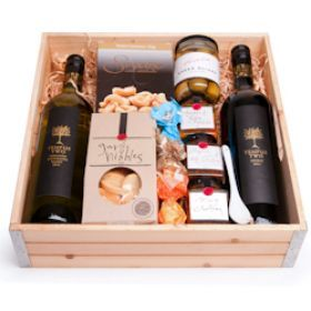 The Sophisticated Cellar Gift Hamper! Perfect for Dads this Father's Day! Don't forget to wish him on the 6th of September!