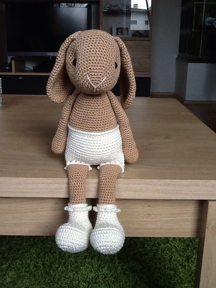 Willeneine the crochet bunny, from made with love by Antoinette, am in love <3