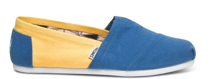 TOMS UCLA Campus Classics // #Bruins University of California: http://www.TOMS.com/ucla-men-s-campus-classics #LosAngeles #football #gameday #tailgate #TOMSshoes #OneforOne One for OneCalifornia Losangeles, Losangeles Football