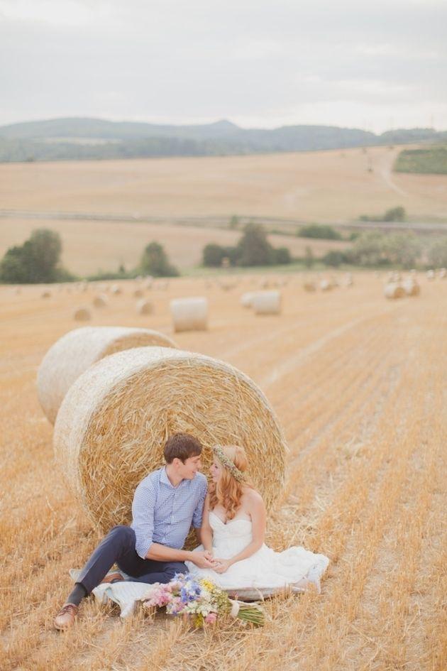 Beautiful Meadow Bridal Portraits | Peter and Veronika Photography | Bridal Musings Wedding Blog 12