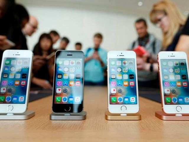 VIRAL NEWS: Apple slashes iPhone, Mac prices in India