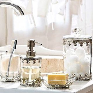 Bathroom Moroccan Accesories  Pour une salle de bain des plus classe✨ #morocco#moroccan#oriental#dubai#design#decor#modern#interior#interiordesign#craft#traditional#bohemian#chic#cosy#house#home#room#linvingroom#white#silver#metal#accesories#bathroom#classy#style#beautiful#inspiration#instagood#instagram