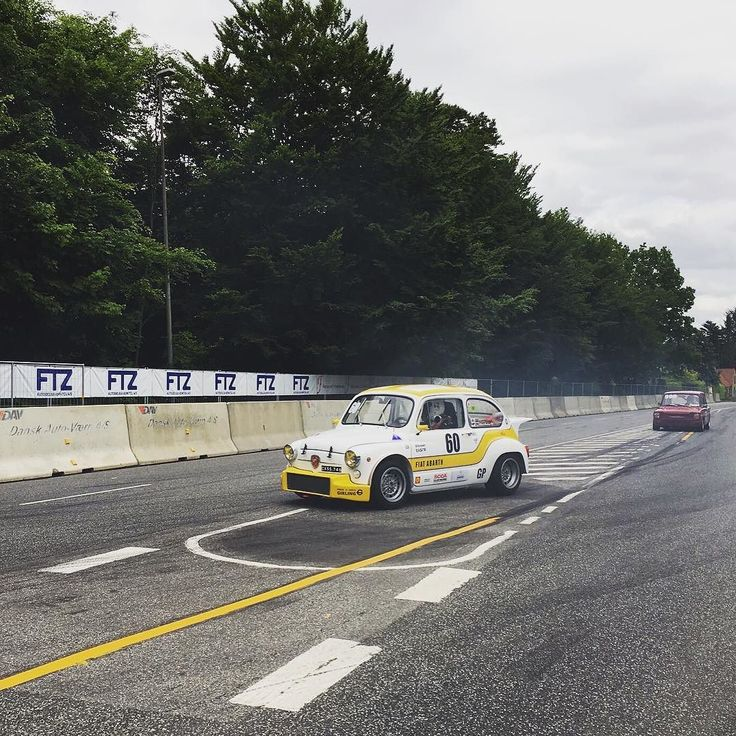 Chased by an awesome #hillmanimp ... #abarth #abarth1000TC #abarth1000TCR #600abarth #abarth600 #CarloAbarth #abarthracing #1000TC #1000TCR #Abarthlife #Abarthowners #fiat600 #Abarthpassion #Abarth1000 #classiccar #oldtimer #vintageracecar #classiccarlife #oldtimer #racecar #italianracecar by abarth_1000_tc