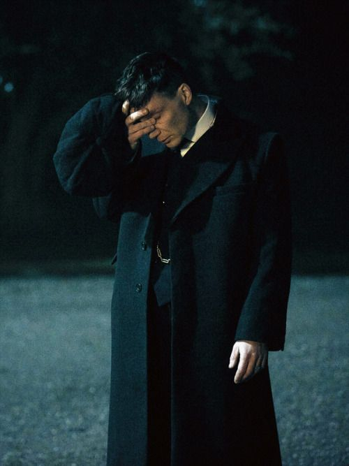 Cillian Murphy's Tommy Shelby in Peaky Blinders Series 3 | via farfarawaysite