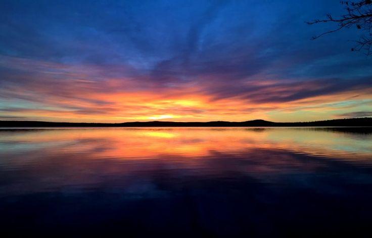 Aurinkonlasku Miekojärvellä Pellossa
