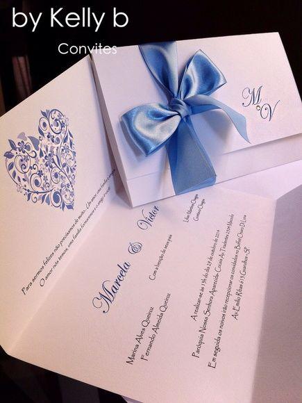 Lindo convite! Super charmoso e delicado feito em papel especial 180g acompanha fita de cetim e detalhe em strass. * Temos somente algumas cores neste modelo . Para outras cores temos outros detalhes consulte-nos.