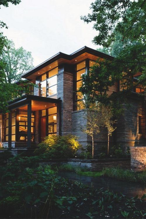Modern Home Aiming at Converting Traditionalists