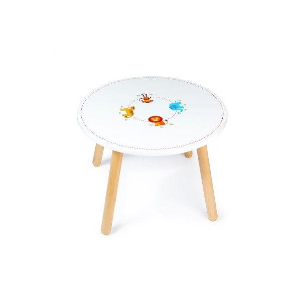 Een heel mooi afgewerkte tafel voor de kleintjes. Tekenen, knutselen of limonade drinken, het kan allemaal aan deze tafel met 4 verschillende dieren op het blad.Deze tafel wordt geleverd zonder stoelen. Een compleet set met stoelen is te bestellen voor een gereduceerde prijsAfmetingen:Dia60xH43cmAdviesleeftijd 3