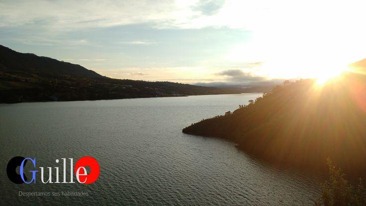 Mañana en el lago Calima - Valle del Cauca