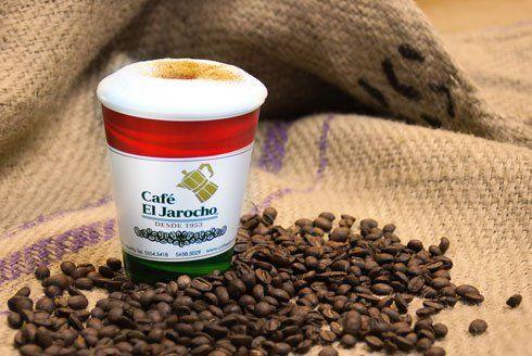 Café el Jarocho Recibe su nombre gracias al origen de sus dueños, ambos provenientes de Veracruz. El Jarocho es un café que rescata y destaca las características de su lugar de ubcación, Coyoacán, sirviendo a sus clientes café de olla, café negro y café con leche de manera artesanal.  Dirección: Av. México 25-C, Coyoacán, Del Carmen, Ciudad de México, D.F.