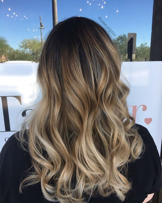 Warm to cool  •Happy Saturday from behind the chair• #hairpainting #balayage #behindthechair #blonde #brown #redken #redkenshadeseq #colormelt #azhairstylist #azhair #fall @behindthechair_com @balayageartists @balayagedandpainted @thebusinessofbalayage @mastersofbalayage @redkenofficial @maneinterest