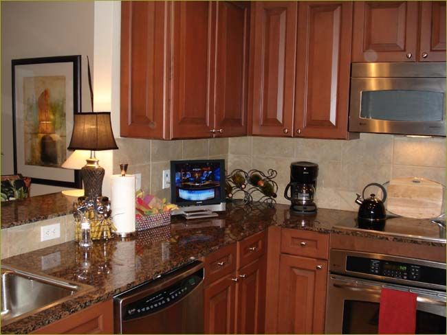 small flat screen tv for kitchen 5 latest small kitchen. Black Bedroom Furniture Sets. Home Design Ideas