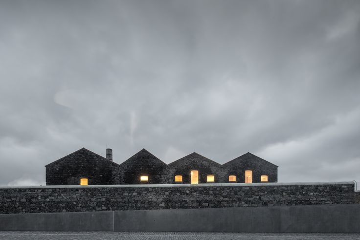 Galería - Archipiélago – Centro de Artes Contemporáneas / Menos é Mais Arquitectos + João Mendes Ribeiro Arquitecto - 2
