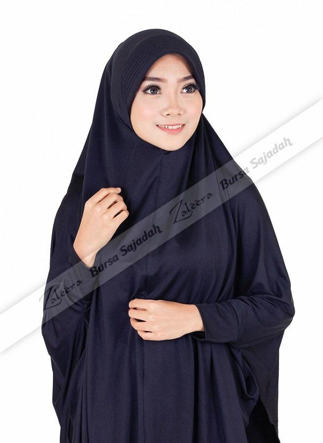 Jilbab Afifa, hijab syar'i berbahan spandex balon yang disenangi karena terasa ringan, mudah melepas panas, & memiliki kilau yang elegan! Selain itu, kerudung dengan dua pilihan warna yang mudah di-match dengan busana Anda ini dilengkapi dengan manset tangan yang membuatnya praktis dan terasa leluasa saat dipakai!  Lingkar wajah: 28 cm