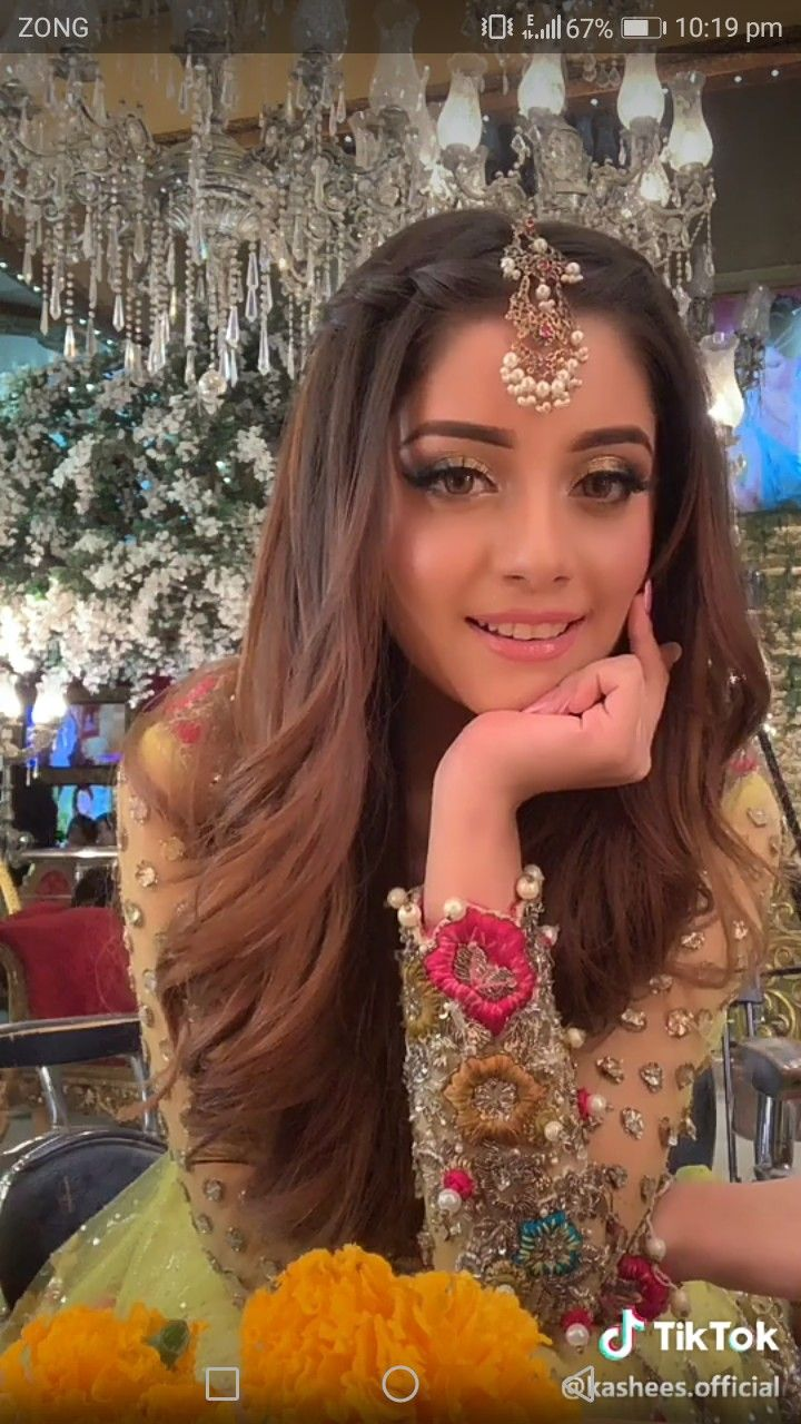 Aliziy Mehndi Hairstyles Open Hairstyles Indian Wedding Hairstyles