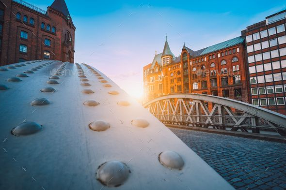 Perspective of iron arch bridges in historical warehouses in Speicherstad  district in Hamburg by Shunga_… in 2020 | Fall wallpaper, Historical,  Sydney opera house