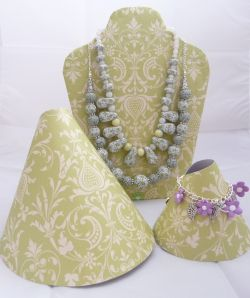 Jewellery Display templates - Good idea making curved bracelet displays out of card