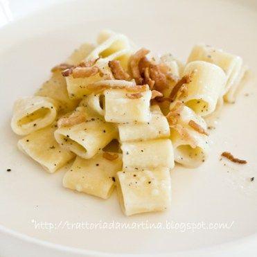 Cacio e pepe risottato con lardo di Colonnata croccante
