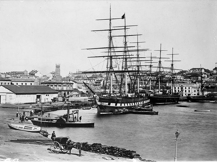 Great Victoria and Ferry Waratah at Circular Quay in Sydney, Australia. 1866 .v@e.