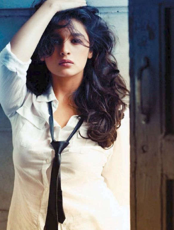http://www.celebrityface.in/celebrityface-latest-stories/Alia-Bhatt-Stunning-Photo-Shoot-for-Filmfare-February-2014
