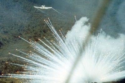 Společnost Monsanto zásobovala armády USA a Izraele bílým fosforem